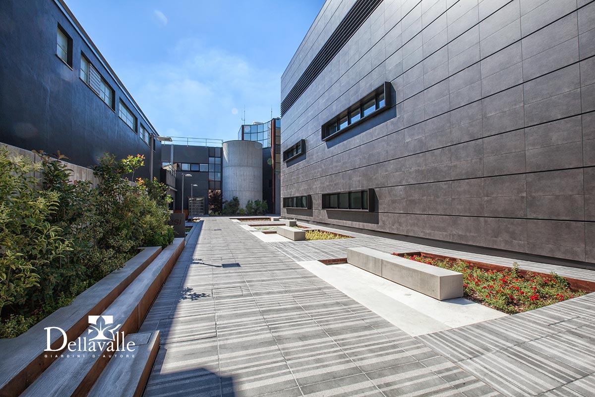 Finest sede aziendale with giardini di design for Design giardini
