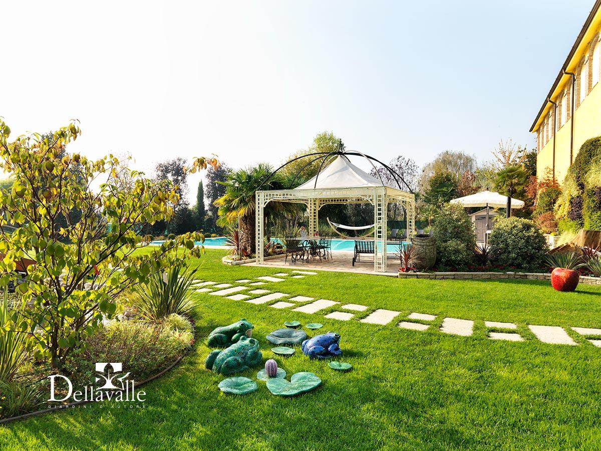 Giardino privato dellavalle giardini for Arredatori di giardini